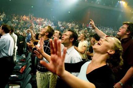 http://noticias.gospelmais.com.br/files/2012/07/evangelicos2.jpg