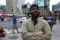 Muçulmano defende criação de lei para proibir mulheres de usarem roupas sensuais, como forma de evitar estupros