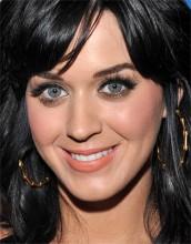 Em entrevista, Katy Perry comenta sobre o começo da carreira como cantora gospel