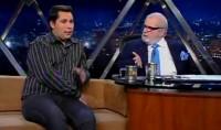 Pastor gay Alexandre Zambom concede entrevista a Jô Soares e afirma que textos bíblicos são usados de forma errada para condenar homossexualismo. Assista na íntegra