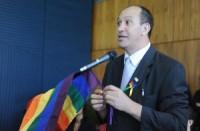 Presidente da ABGLT, Toni Reis, cita a Bíblia e diz que evangélicos estão pecando quando se opõem à agenda gay