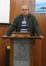 Pastor Renato Vargens critica a prática de revelações em igrejas pentecostais brasileiras