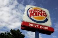 Jovem cristã demitida do Burger King por pedir para usar saia para trabalhar