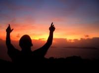 Campanha de oração pela paz será realizada dia 21/09 através do Twitter e Facebook. Confira