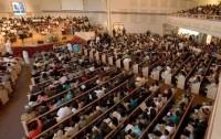 Mais de 10 mil igrejas se reúnem em campanha para fazer evangélicos voltarem a frequentar cultos aos domingos