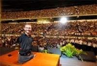 Nick Vujicic, evangelista cristão que não tem braços e pernas, anuncia que será pai: 'Deus é muito bom'