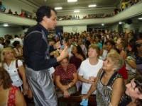 """Candidato a vice-prefeito, pastor Paulo Roberto Alves afirma que já ouviu galinha falar """"em línguas"""" e fez """"anão crescer"""""""
