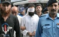 Líder muçulmano é preso acusado de plantar provas contra menina cristã de 11 anos que foi presa por blasfêmia