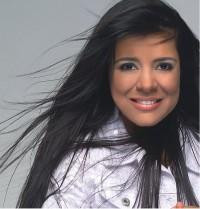 Mara Maravilha diz que Nicole Bahls pode cantar suas músicas e não descarta participar de reality shows