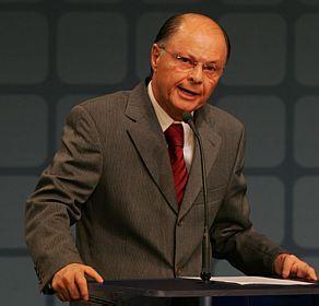 http://noticias.gospelmais.com.br/files/2012/09/bispo-edir-macedo.jpg