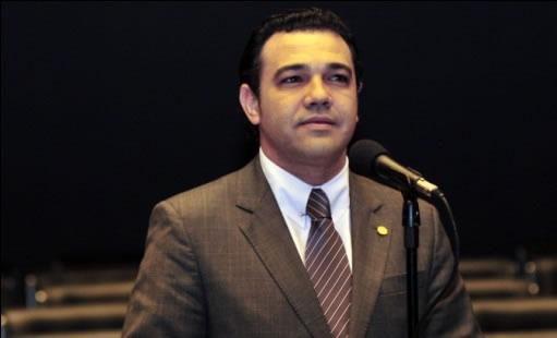 http://noticias.gospelmais.com.br/files/2012/09/pastor_marco_feliciano.jpg
