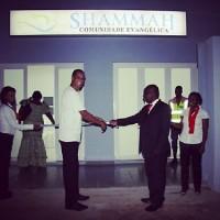 Rivaldo inaugura igreja em Angola e diz que foi 'plano de Deus'