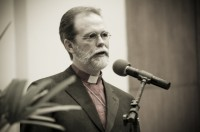 "Bispo Walter McAlister questiona ""evangelismo infalível"""