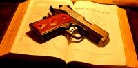 Pela prevenção à criminalidade, Sociedade Bíblica lança campanha que propõe troca de armas por Bíblias