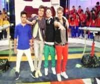 """""""Estação Teen"""", da banda Restart, pode perder horário na Rede TV! para o """"Show da Fé"""" de R.R. Soares"""