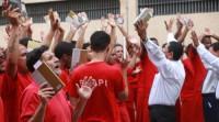 """""""Nada a Perder"""": Igreja Universal faz evento em presídio para o lançamento do livro do bispo Edir Macedo"""