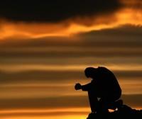 Estudo de emissora cristã convida ateus a orarem por 40 dias e revelarem resultados