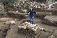 Arqueólogos descobrem templo e objetos de culto da época do rei Davi, na região de Jerusalém