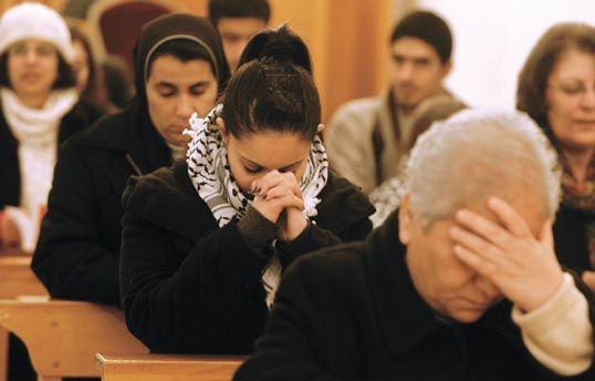 """Pesquisa  cristãos são os mais perseguidos do mundo  """"Cristofobia"""" pode  resultar na extinção da religião no Oriente Médio f6722ea359dfa"""