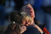 """Sandy Hook: Líderes cristãos manifestam pesar pela tragédia em escola; Barack Obama consola familiares em discurso: """"Leve e momentânea tribulação"""""""