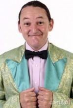 Marquito, comediante e assistente do Ratinho, vê profecia se cumprir e será empossado como vereador
