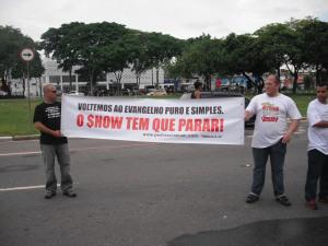 trofeu-promessas-protesto-1