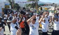 Igreja Renascer realiza primeira Marcha para Jesus no Haiti e distribui 50 toneladas de donativos
