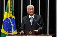 """Senador Roberto Requião critica """"comércio religioso na TV"""" e quer criar movimento para """"combater a prática"""". Leia na íntegra"""