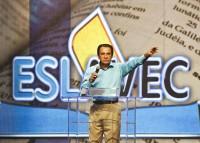 """Entrevistado pela revista Veja, Silas Malafaia é descrito como """"o caçador de pastores"""" e afirma pagar salários de até R$ 22 mil para os pastores de sua igreja"""