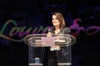 """Ana Paula Valadão fala sobre adoração e diz que """"crescimento evangélico atrai pessoas com motivações erradas"""". Leia na íntegra"""