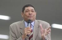 Passaporte diplomático de Valdemiro Santiago é alvo de investigação do Ministério Público Federal