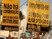Grupos cristãos realizam campanhas de evangelização durante o carnaval