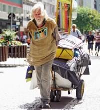 """João Mensageiro de Deus: """"Profeta"""" uruguaio anda pelas ruas do Brasil pregando a existência de Deus a ateus"""