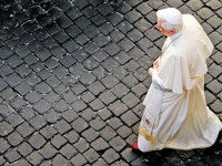"""Teólogo afirma que Igreja Católica precisa rever conceitos e funções: """"Ou muda, ou acaba"""""""