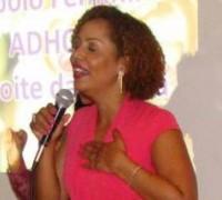 Ex-globeleza Valéria Valensa prega em igreja evangélica e diz que quer distância do carnaval