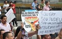 Ativistas gays organizam protestos contra Marco Feliciano em 27 cidades, incluindo 3 no exterior