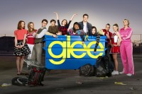 Série Glee é um veneno para a juventude por promover a homossexualidade e a promiscuidade, diz entidade evangélica