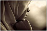 Adolescente estuprada pelo padrasto é condenada a 100 chibatadas por ter feito sexo antes do casamento