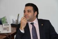 """Pastor Marco Feliciano diz que continua como presidente da Comissão de Direitos Humanos e Jean Wyllys critica: """"lamentável"""""""