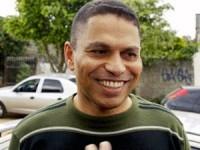Acusado de matar ex-namorada, Mizael Bispo, se compara a Jesus Cristo em livro que tenta provar sua inocência