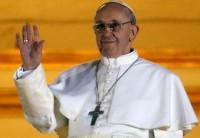 Papa Francisco carrega acusações de ter colaborado com sequestros de jesuítas e bebês durante ditadura na Argentina