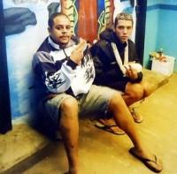 Missionários evangelizam torcedores corintianos presos na Bolívia por morte de torcedor