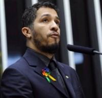 Pastor Silas Malafaia responde acusação de formação de quadrilha e diz que Jean Wyllys se baseia em mensagens de perfil falso no Facebook