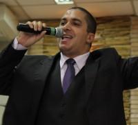"""Fiéis da igreja do ex-pagodeiro Waguinho fazem """"vaquinha"""" para pagar pensão que ele deve a ex-mulher"""