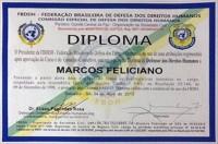 Pastor Marco Feliciano causa polêmica ao receber diploma de defensor dos Direitos Humanos