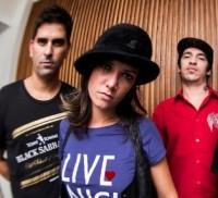 Nova formação da banda Charlie Brown Jr. tem filha de pastores como baixista