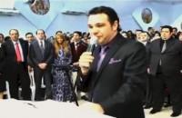 """Vídeo – Ovacionado, pastor Marco Feliciano diz que não """"caiu"""" por causa das orações feitas por ele e afirma: """"Estamos em guerra""""; Assista na íntegra"""
