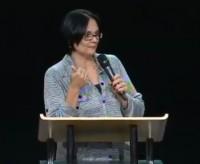 """Vídeo – """"Estão detonando nossas crianças e zombando dos cristãos no Brasil"""", diz pastora Damares Alves; Assista"""