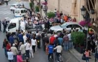 """Carro invade igreja e motorista alega que o veículo """"estava perseguindo um demônio"""""""