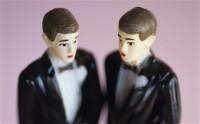 Justiça obriga todos os cartórios do Brasil a realizarem casamento gay; Silas Malafaia critica e Jean Wyllys comemora